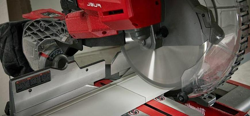 18-Volt Cordless 10in Dual Compound Miter Saw